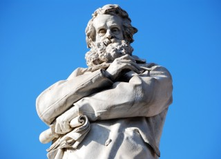 Statua Niccolo Tommaseo